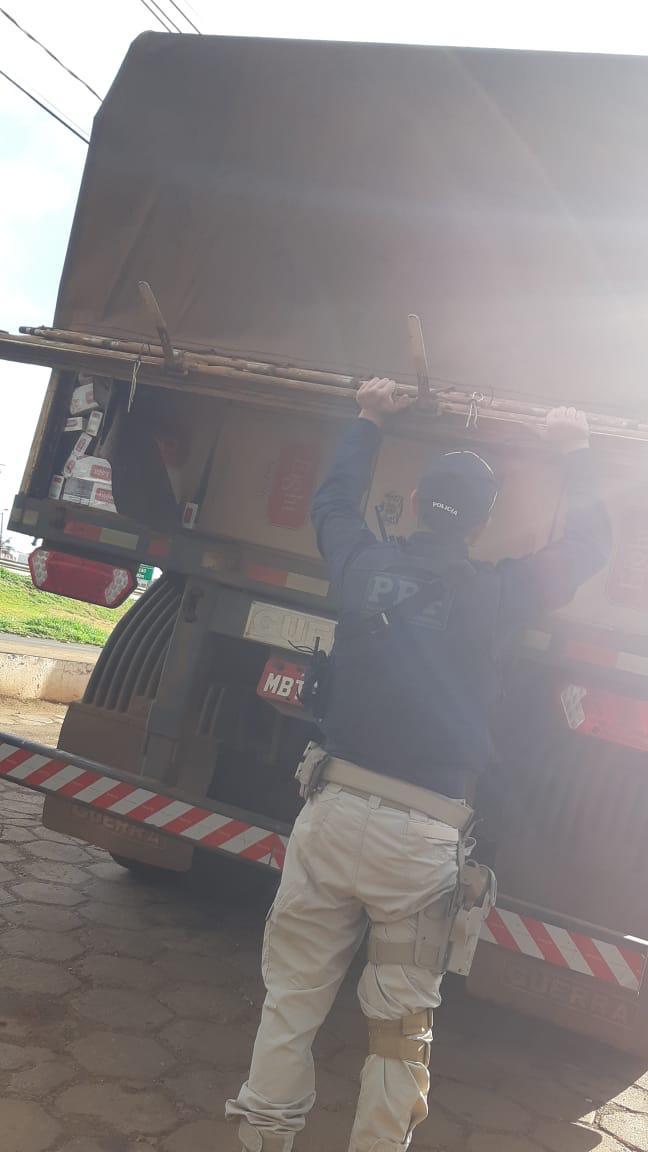 Paiçandu: PRF apreende bi-trem carregado com cigarros contrabandeados do Paraguai - CGN